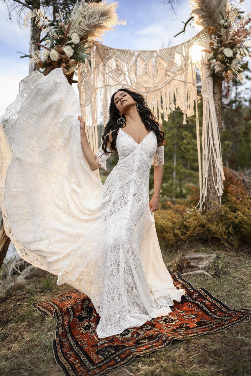 Suknia ślubna All Who Wander Reece